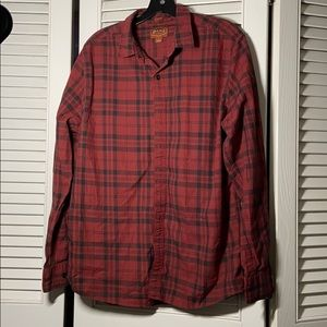 Red Ale slim fit button down large